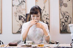高山茶茶艺师-李佳